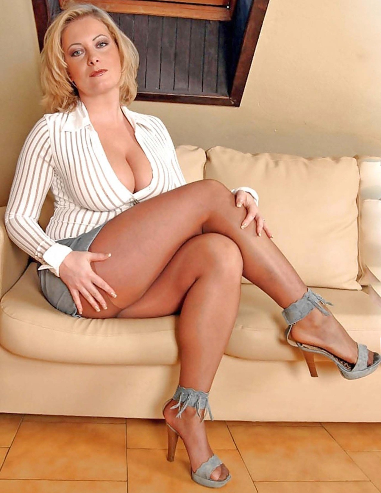 Gorgeous mature women moms