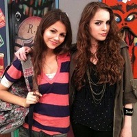 Victoria Justice and Elizabeth Gillies
